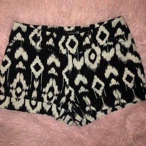 Black and white shorts small
